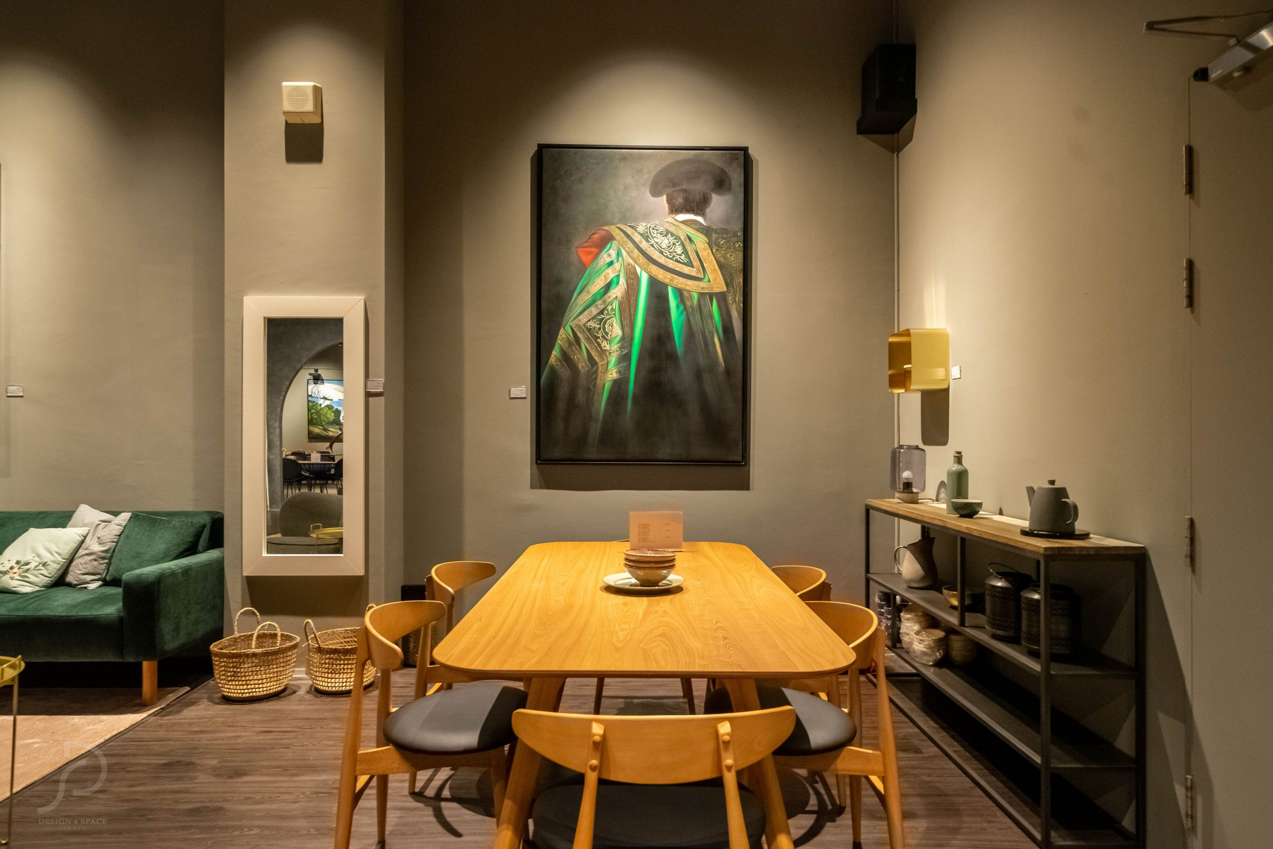 Furniture boutique13