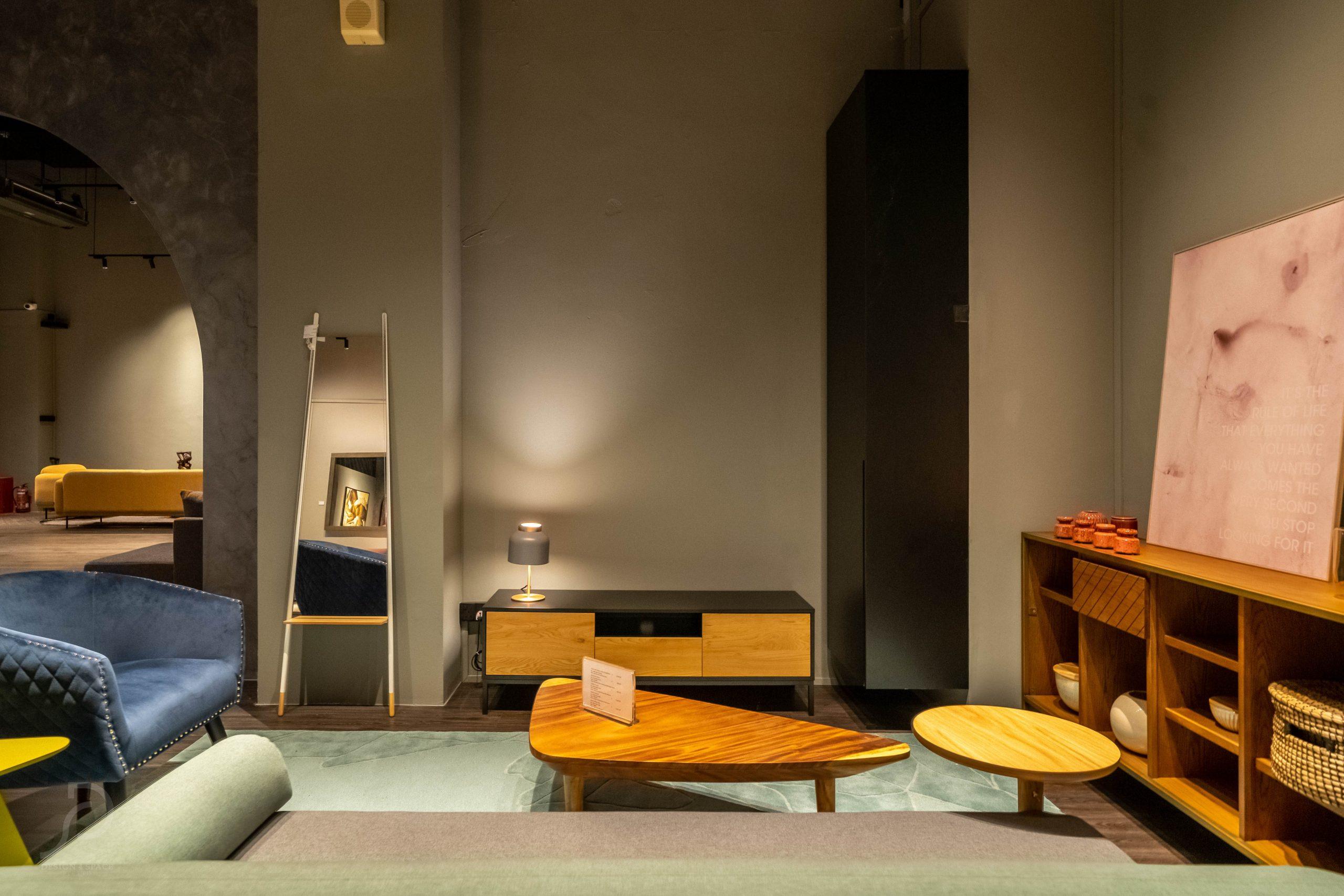 Furniture boutique33
