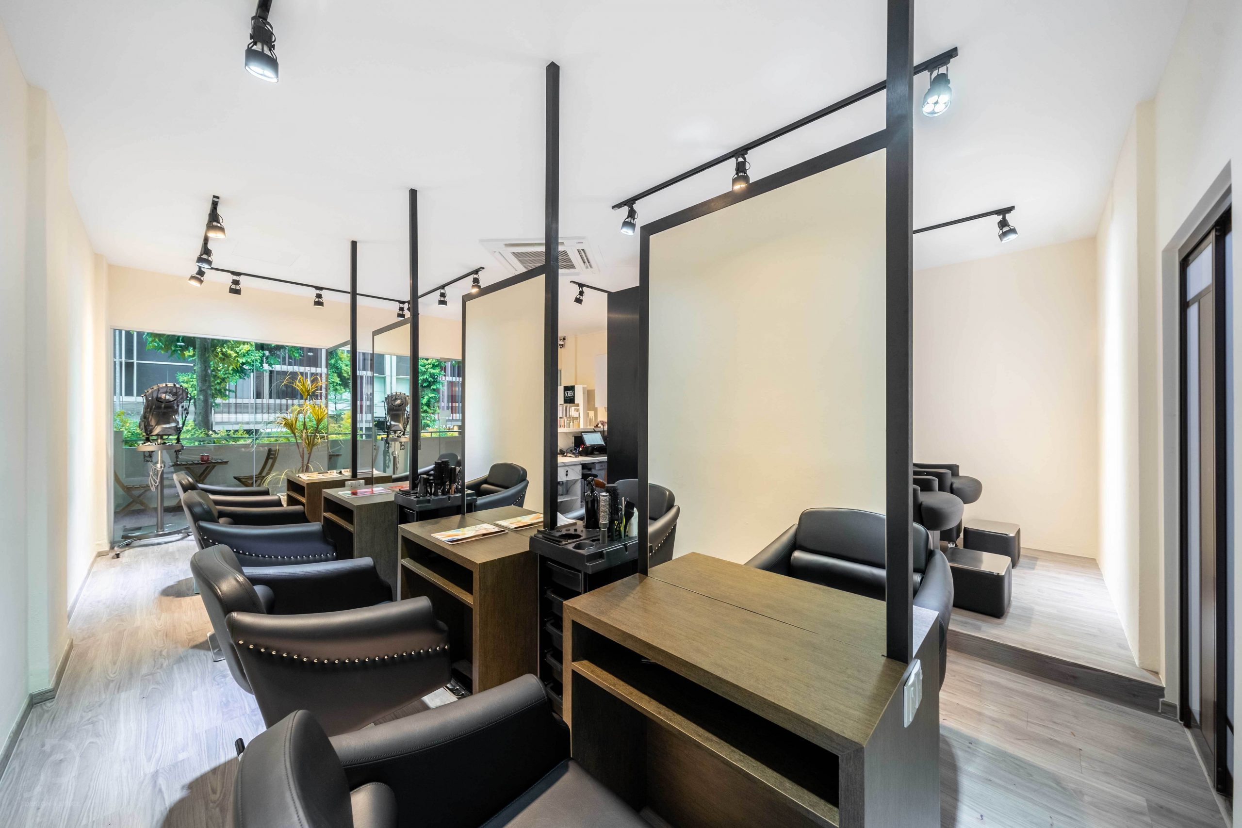 Vanity hair studio4